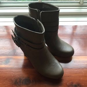 Grey closed heels with buckles